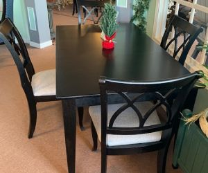 "Canadel 5 piece solid wood dining set 36""x64"" table incl 1 leaf and 4 chairs"