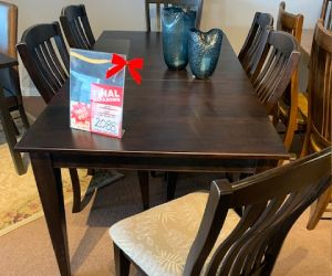 "Canadel 7 piece solid wood dining set 38""x76"" incl 1 leaf and 6 uph. Dining chairs"